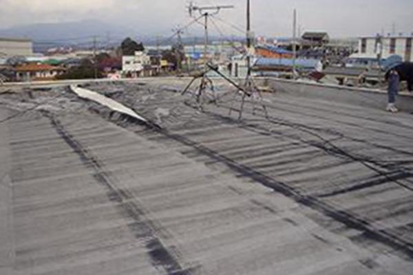 屋上やベランダの防水はがれ